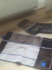 Joop Teppich Mit Zwei Handtüchern