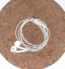 EarPods with Lightning Connector apple