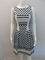 CUE IN THE CITY BLACK/WHITE MULTI PRINT DRESS SIZE 8    (#Z651)