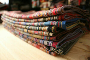 Neu Farbenfrohe Tischdecken,Läufer,Runner, Orientalische Stoffe, aus Damaskunst