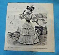 Gravure Ancienne Mode de Paris N°6138 Toilette de Plage pour jeune femme
