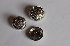 10 Metallknöpfe, Ornament, silber, ca. 18 mm Durchmesser