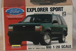 LINDBERG Ford Explorer Sport Truck Model Kit 1:20 #72511 (Open Box - Complete)