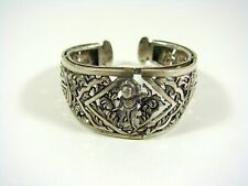 Chinese Export Solid Silver Rigid Bracelet Carved Decoration of Figure