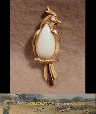 Antique Signed Trifari Gold Tone Jelly Belly Bird Pin / Brooch