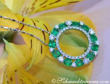 Ovale Halsketten und Anhänger mit Edelsteinen aus Weißgold