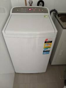 Like new 7kg Fisher & Paykel top loader washing machine (model 70602)