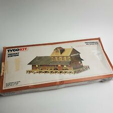 HO Scale Vintage Tyco Freight Station Building Kit  COMPLETE