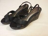 Fioni women's shoe size 9 wedge
