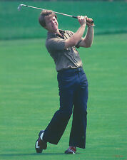 TOM WATSON 8 X 10 PHOTO WITH ULTRA PRO TOPLOADER