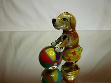 VINTAGE TIN TOY ZZ GERMANY WALKING DOG PUSHING BALL - H7.5cm - GOOD CONDITION