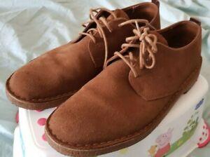 Fantastic Clarks Desert London shoes - Cola Suede, size 9
