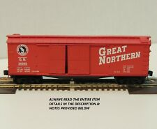 "N SCALE: 40' DOUBLE-SHEATHED WOOD BOXCAR w/1-1/2 DR.-""GREAT NORTHERN""-MTL 43040"