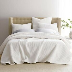 "Legends Paloma Cotton Textured King Quilt in White 108"" X 92"""