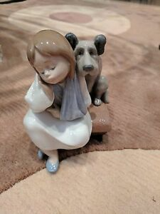 """Mint condition Lladro figurine """"We Can't Play"""" girl with broken arm and dog"""