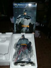 DC UNIVERSE ONLINE LIMITED EDITION BATMAN STATUE!! MIB!!