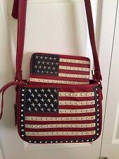 Montana West AMERICAN PRIDE Concealed Carry Crossbody Handbag w/Wallet - RED