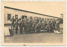 Foto Musikkorps-Luftwaffe  mit  Stahlhelm  2.WK  (D286)