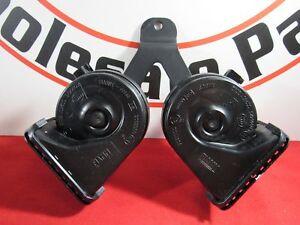 DODGE RAM 1500 2500 Dual Horn & Bracket Assembly NEW OEM MOPAR