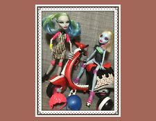 Monster High Roller Maze Dolls GHOULIA YELPS & ABBEY BOMINABLE w/ Scooter