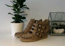 Zapatillas De Ante De Cuña De Ceniza Con Tachas Bobo UK Size 8/41 £ 175