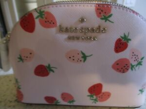 🍓KATE SPADE STACI WILD STRAWBERRIES SMALL DOME COSMETIC POUCH BAG SO CUTE!🍓