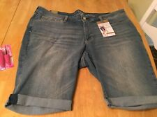 Nwt Signature by Levi Strauss Simply Stretch Mid Rise Skinny Shorts Size 24