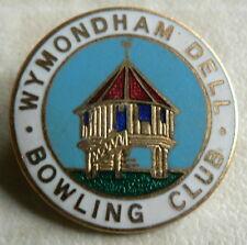 WYMONDHAM DELL BOWLING CLUB ENAMEL BADGE - 1970s