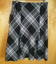 NWT womens ladies size 8 black gray plaid WILLI SMITH flared skirt free shipping