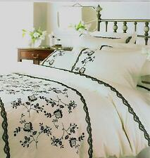 CREAM EMBROIDERED AMOUR SUPERKING DUVET SET (PLAIN P/CASES) HELENA SPRINGFIELD