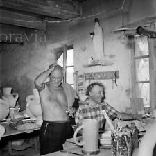 """Photographie,  """"Pablo Picasso et Marc Chagall"""", Gordes, 1948     /    15 x 15"""