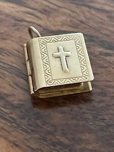 9ct Gold Hallmarked Holy Bible Charm 2.4g