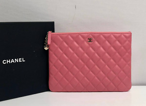 AUTH CHANEL PINK CC CASINO O CASE CLUTCH QUILTED LAMBSKIN LARGE LIMITED EDITION