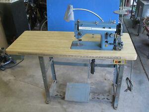 Vintage Commercial Industrial Sewing Machine Singer 20u33