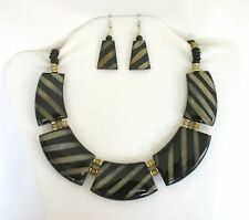 """Horn Large Pendants Beads in Multi Colors 17"""" Choker Necklace Set.  NWT   BHS"""