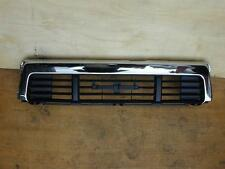 TOYOTA HILUX 10/88-9/91 4WD  LN106 GRILLE CHROME BLACK CENTER PIECE