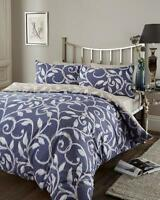 REVERSIBLE KING SIZE DUVET SET IN BLUE LEAF TRAIL DESIGN