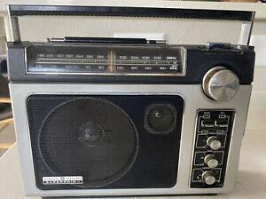 GE Superadio II 2 General Electric GE AM/FM Super Radio 7-2885D Good Condition