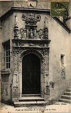 CPA Crépy en Valois-Porte de l'Escalier de la Maison de la Rose (424056)