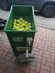 Ballmaschine Tennis