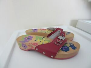 Scholl ladies red leather / wooden slip-on scholl shoes uk size 6