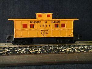 L12 Vintage HO Scale Life-Like Delaware & Hudson Caboose 1023