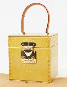 Auth LOUIS VUITTON Bleeker BeigeVernis Leather Vanity / Box Case #39613