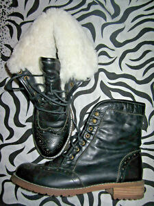 Vintage YELLOW EARTH Australia Womens Black Leather Flat Ankle Boots Sheepskin