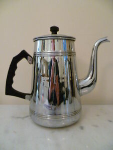 A VINTAGE, POLISHED CHROME, WITH BLACK BAKELITE HANDLE,  COFFEE POT FROM FRANCE