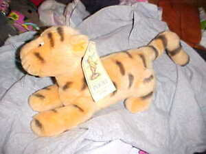"Disney Gund Tigger Tiger Classic Pooh 10"" Not Counting Tail  WITH TAG"