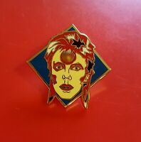 David Bowie Pin Ziggy Stardust Music Fan Enamel Retro Metal Brooch Badge Lapel c