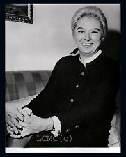 FOTOGRAFIA PRESS PHOTO VINTAGE LONDRA 1970 LA SCRITTRICE DORIS LYLLY AUTRICE DI