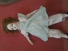 Bambola porcellana antica