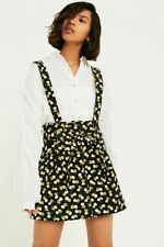 UO Ireley Floral Suspender Skirt Medium Urban Outfitters NWT Black Daisy Cords